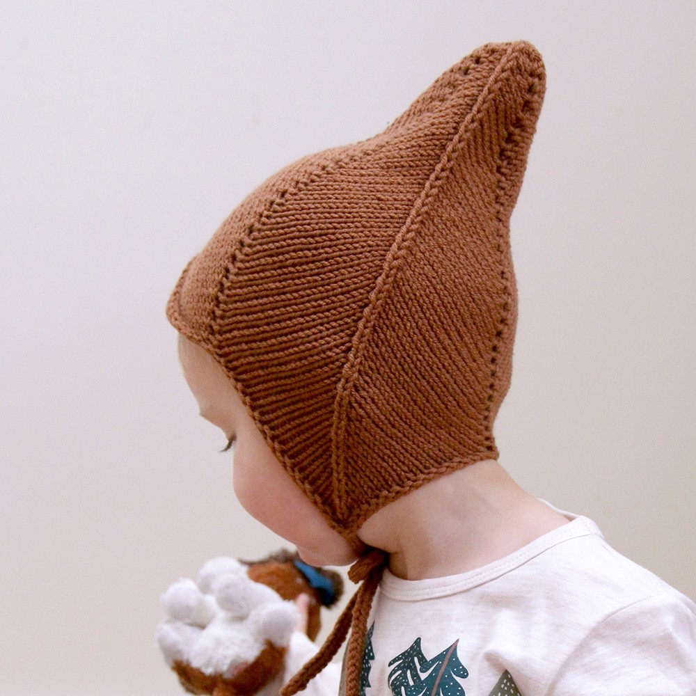 This adorable elfish hat suits both boys and girls