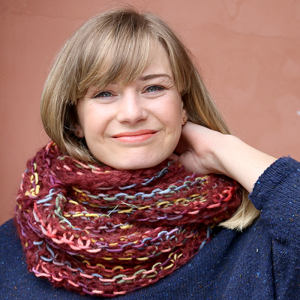 Quick cowl with stripes