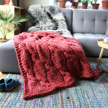 Cabled Sofa Spread